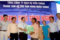 Trung tâm hỗ trợ bán hàng miền Trung tặng nhà tình nghĩa cho gia đình chính sách