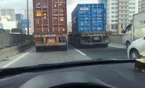 Clip: 2 container dàn hàng, chạy như 'rùa bò' trên đường vành đai 3