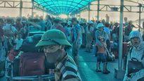 Hàng nghìn du khách mắc kẹt trên đảo Cô Tô do ảnh hưởng bão
