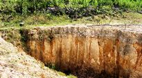 Hà Tĩnh: Hơn 190 hồ đập báo động trước mùa mưa lũ