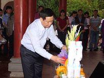 Phó Thủ tướng Vương Đình Huệ dâng hương tại Khu di tích lịch sử Truông Bồn