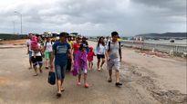 Quảng Ninh: Hơn 5.000 khách du lịch kẹt lại các đảo do ảnh hưởng bão số 2