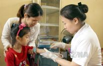 Hai em bé bị ngộ độc chì do dùng thuốc cam không rõ nguồn gốc