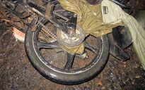 Người đàn ông tử vong vì bị áo mưa quấn vào xích xe, siết cổ trong lúc đổ đèo