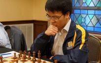 Quang Liêm bị cầm hoà trước đối thủ đứng bét bảng