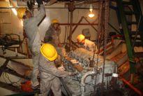 Sự cố tàu vỏ thép: Doanh nghiệp bóc 3 máy tàu hàng 'chợ', thay lại máy chính hãng