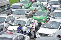 Nhiều tuyến đường quanh sân bay Tân Sơn Nhất lại kẹt cứng