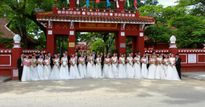 Độc đáo đám cưới tập thể bằng xích lô đầu tiên ở Huế