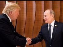 Những bức ảnh ấn tượng của Tổng thống Trump trong 6 tháng đầu nhiệm kỳ
