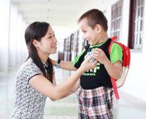 Giúp trẻ vui vẻ lần đầu đến trường