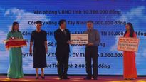 Bộ TTTT trao tặng 1,8 tỷ đồng cho quỹ đền ơn đáp nghĩa Tây Ninh