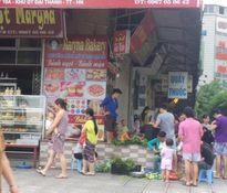 Hà Nội: Chợ cóc tự phát 'áp sát' chung cư