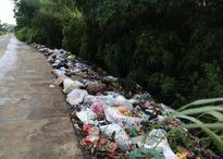 Rác thải tràn lan nhiều nơi ở ngoại thành Hà Nội