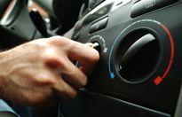 Có nên tắt điều hòa ô tô trước khi tắt máy?