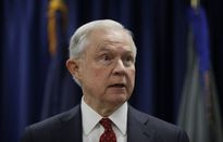 Tổng thống Trump nổi giận, đòi sa thải bộ trưởng Tư pháp Mỹ