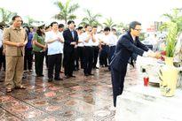 Phó Thủ tướng dâng hương, tưởng niệm các anh hùng, liệt sĩ tại Hải Dương, Hưng Yên