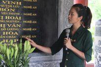 Nữ thuyết minh xinh đẹp 'truyền lửa' tại khu di tích Truông Bồn