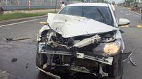TP HCM: Tông vào đuôi container, tài xế may mắn thoát chết nhờ bung túi khí