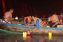 Thả 7000 hoa đăng tri ân các anh hùng liệt sĩ trên sông Hàn