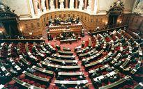 Pháp cấm các chính trị gia thuê người thân làm trợ lý trong Quốc hội