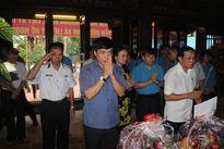 Tổng LĐLĐ Việt Nam dâng hương tại đền thờ lãnh tụ Nguyễn Đức Cảnh
