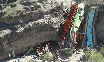 Xe lao xuống hẻm núi tại Nepal, 9 người thiệt mạng