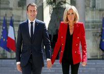Gần 200.000 người Pháp phản đối ông Macron trao chức danh 'Đệ nhất Phu nhân' cho vợ