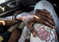 Cuộc sống 'trong bóng tối' của những phụ nữ đồng tính ở Senegal