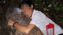 Người đàn ông ôm bom khủng chụp ảnh tự sướng nói gì?