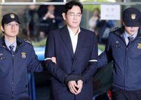 Một năm thăng trầm của Samsung: 'Thái tử' ngồi tù và lợi nhuận kỷ lục