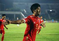 'Khắc tinh' của U22 Việt Nam lập cú đúp, Myanmar hạ Singapore 2-0