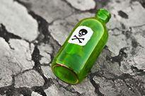 Bắt người đàn bà 'hạ độc' ông lão 70 tuổi bằng bia pha thuốc trừ sâu