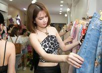 'Mặc lại' chiếc áo Thu Minh từng diện 3 năm trước, Ngọc Trinh đẹp gấp ngàn lần hơn