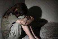 Khởi tố gã hàng xóm nhiễm HIV dâm ô bé gái 11 tuổi