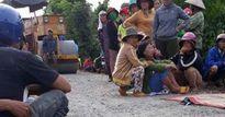Vụ bé 5 tuổi bị xe lu cán tử vong: Tài xế hoảng loạn sau tai nạn