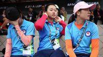 Đội cung thủ nữ Việt Nam rơi nước mắt khi vuột HCV trước đội chủ nhà Malaysia