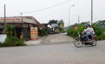 Quán bia 'xé' hộ lan Đại lộ Thăng Long