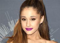 Ariana Grande khiến khán giả Hàn Quốc nổi giận