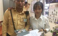 CSGT Hà Nội tìm trả 20 triệu, giấy nhập học cho tân sinh viên