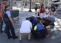Tây Ban Nha: Đâm xe khủng bố vào đám đông, 13 người chết