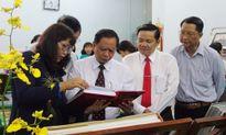 Trưng bày tem về Chủ tịch Hồ Chí Minh