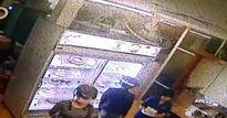 Truy tìm 2 cô gái trong vụ thanh niên bị sát hại trước quán karaoke