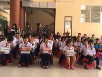 Bình Dương: Trao 125 suất quà cho học sinh nghèo vùng xa
