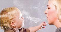 Trẻ có nguy cơ bị ung thư máu nếu cha mẹ hút thuốc lá