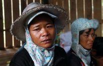 Vụ nổ bom 6 người thiệt mạng: Thôn nghèo Tà Lương thẫn thờ trong ngày đại tang