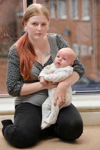 Không được lên xe buýt khi cho con bú, bà mẹ bèn chia sẻ trên facebook