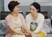 Cô gái 'ngỡ ngàng' vì bạn trai 30 tuổi thú nhận vẫn ngủ với mẹ