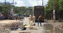 Bình Dương: Sụt vào ổ gà, một học sinh tử vong vì bị xe Container cán qua