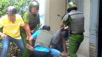 Trộm đâm người, vẫn đưa đi cấp cứu: Có chút lương tâm