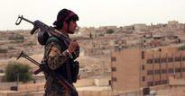 Mỹ gửi 60 xe tải chở vũ khí hạng nặng và xe bọc thép đến Raqqa